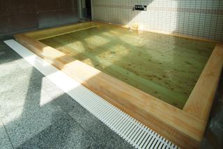 ひのき風呂2.jpg